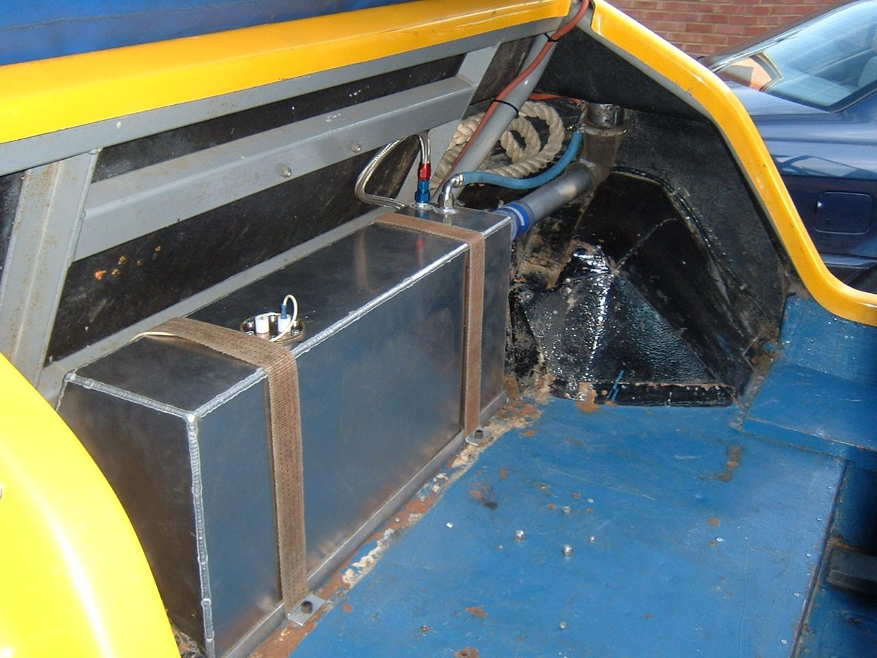 Construction Gas Tank : Fuel tank construction and digital gauge