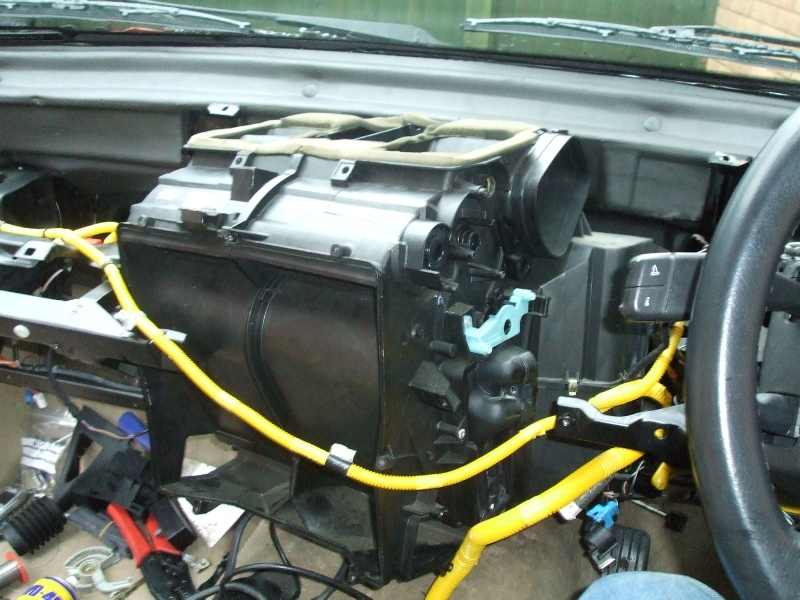 Can Someone Try Something On Their P38 For Me Topic Rhrangeroverspub: P 38 Range Rover Heater Core Temp Sensor Location At Gmaili.net